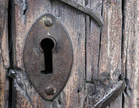 982px-old_church_door